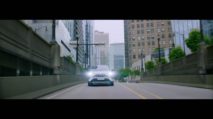 2019 Toyota RAV4 Driving in the city
