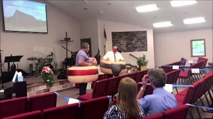 Sumo inspires U.S. church on social distancing