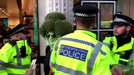Protester dressed like broccoli arrested in UK