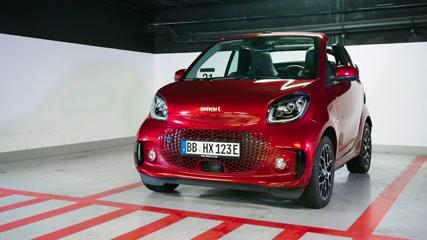 smart EQ fortwo cabrio Design in Carmine red
