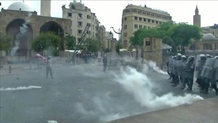 Lebanese vent rage against leaders after blast
